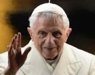 Бенедикт XVI оставил папский престол и покинул Ватикан